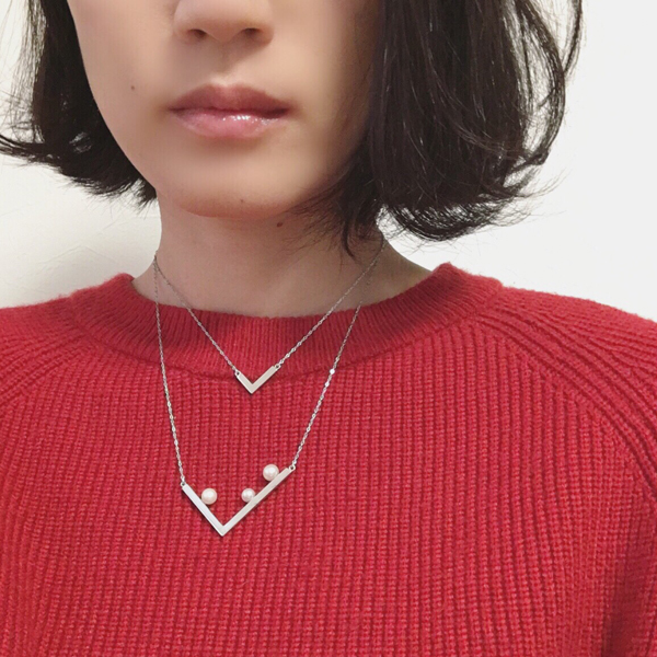check pearl necklace(チェックパールネックレス)の着用例